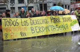 """97FM irratia: """"TODOS LOS DERECHOS PARA TODAS"""". Argitan"""