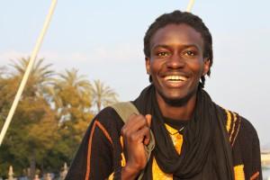 Mar de Fueguitos: El  activista  senegalés  Mamadou  Dia  denuncia  los  falsos  mitos  de  la  inmigración  en  Europa