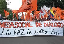 Mar de Fueguitos: Las voces que le faltan a la paz en Colombia