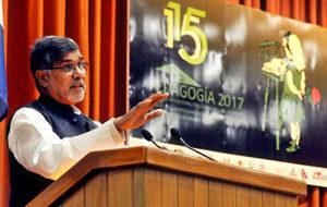 Cubainformación: Cuba  es  referencia  educativa  mundial,  Kailash  Satyarthi  en  la  Isla,  Turismo  en  alza  y  más  temas  (programa  453)