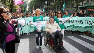 Sin acritud: El  drama  del  amianto  en  Euskal  Herria  y  huelga  en  las  residencias  de  Bizkaia