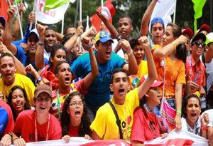 Cubainformación: Venezuela:  el  golpe  democrático  de  Nicolás  Maduro  que  partió  a  la  oposición  y  más  temas  (programa  465)
