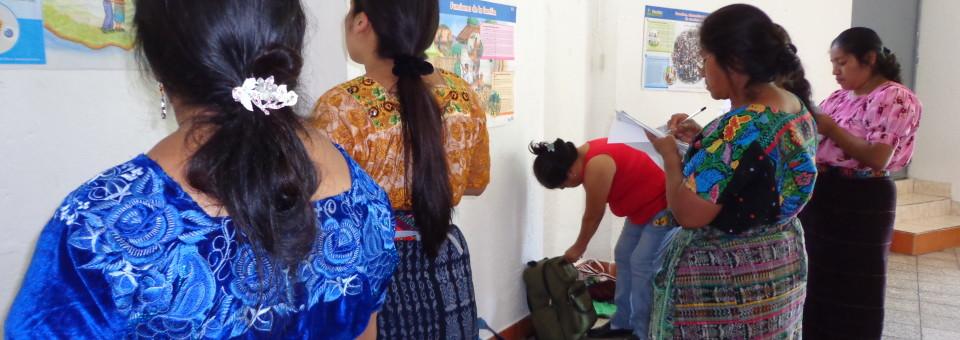 Lur eta Murmur: Lurraldea  berreskuratu:  Sector  de  Mujeres,  Guatemala