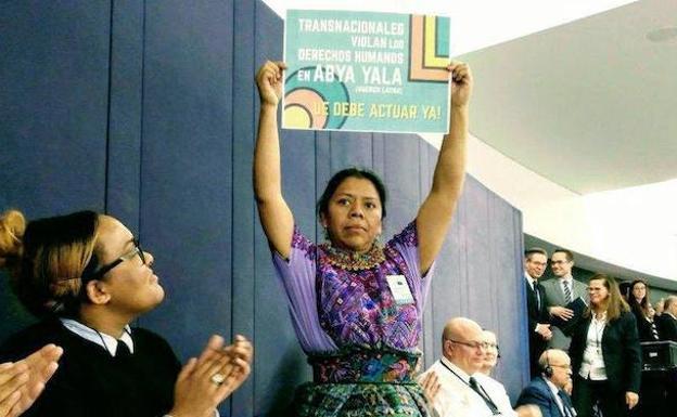 Mar de Fueguitos: Lolita  Chávez,  sabiduría  maya  y  feminista  por  la  vida