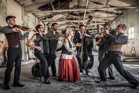 Mar de Fueguitos: BGKO  y  sus  canciones  de  los  abuelos  de  Europa