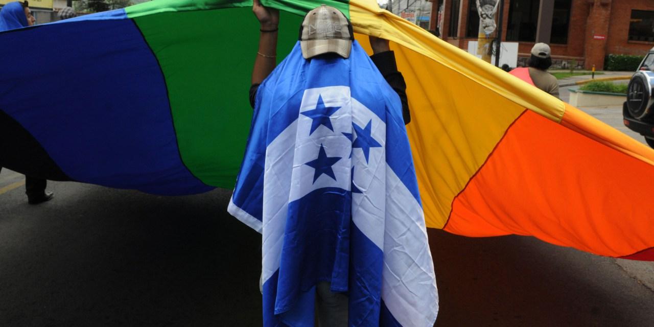Mar de Fueguitos: violencia contra las personas LGTBI en Honduras