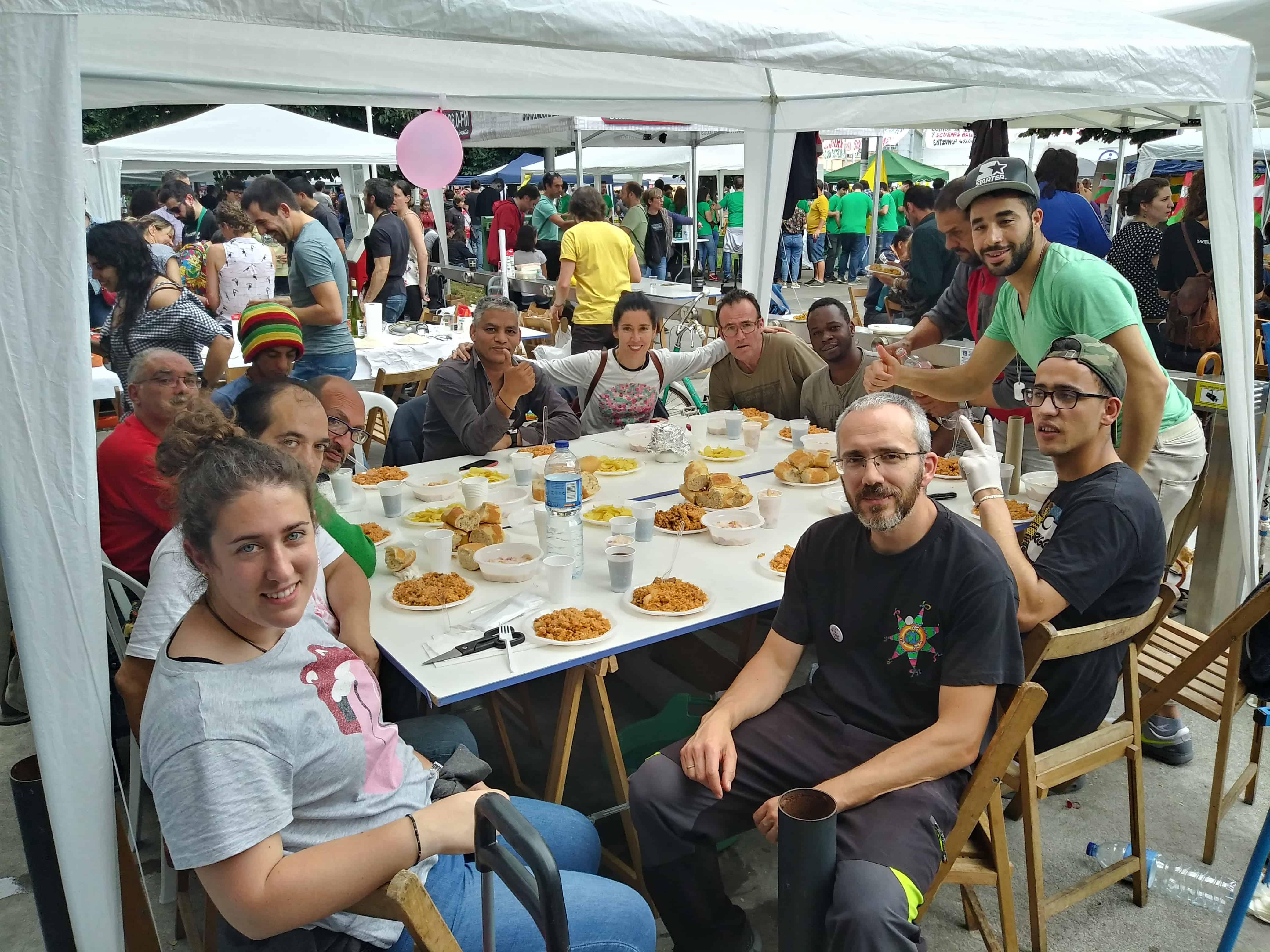 Radio Barrio: Arroces  del  Mundo,  camino  de  Santiago,  BBK  Live,  Mª  Dolores  Pradera  y  más