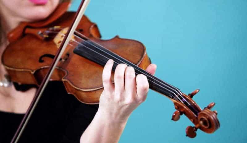 Las Feútxas: El  violin  de  Ainara  Rua