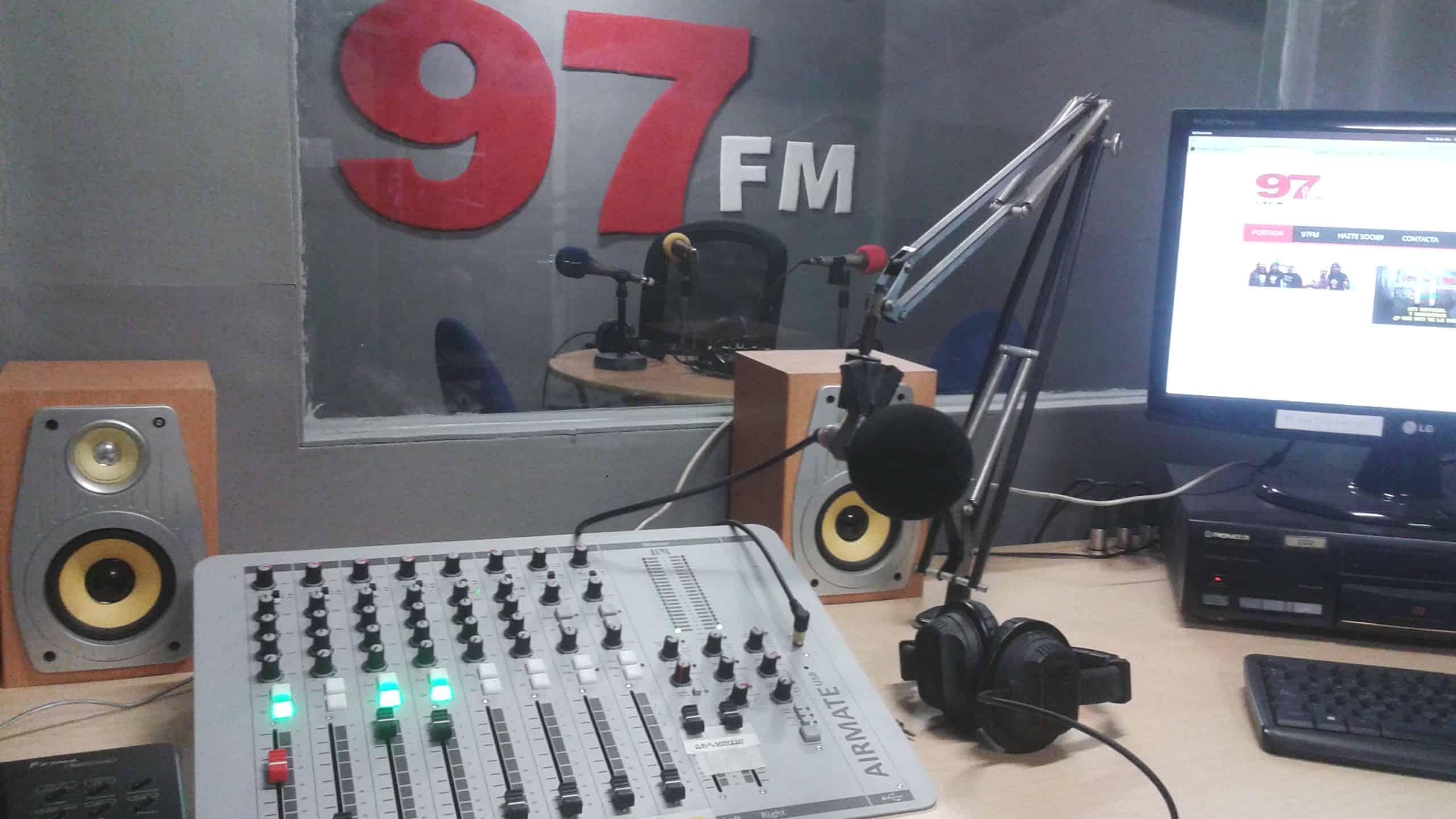 97FM irratia: 97 irratiaren estudio berriaren inaugurazioa
