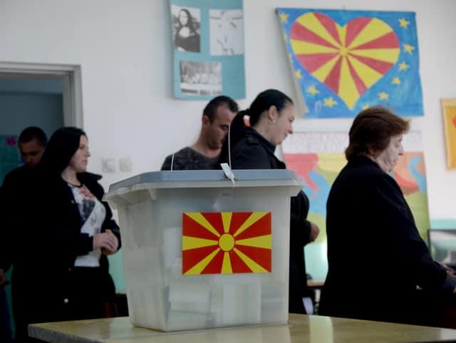 Tesla ordua: Tesla  Ordua,  70  irratsaioa:  Mazedoniako  erreferenduma