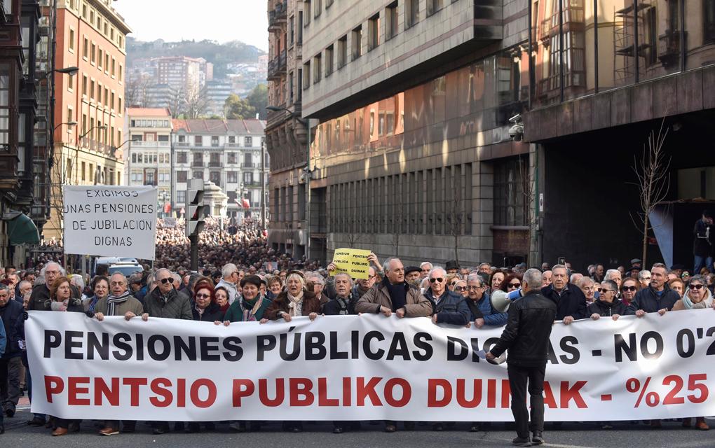 Suelta la olla: Movimiento  por  unas  pensiones  dignas;  1  año  tomando  las  calles