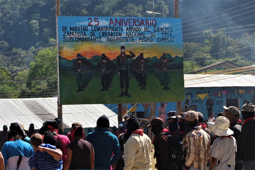 Mar de Fueguitos: especial  25  aniversario  del  alzamiento  zapatista