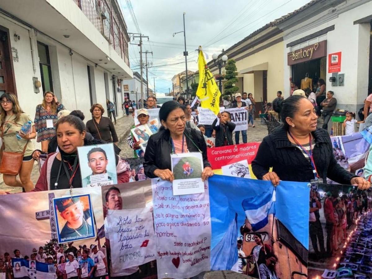 Mar de Fueguitos: Caravana de madres con migrantes desaparecidos en México