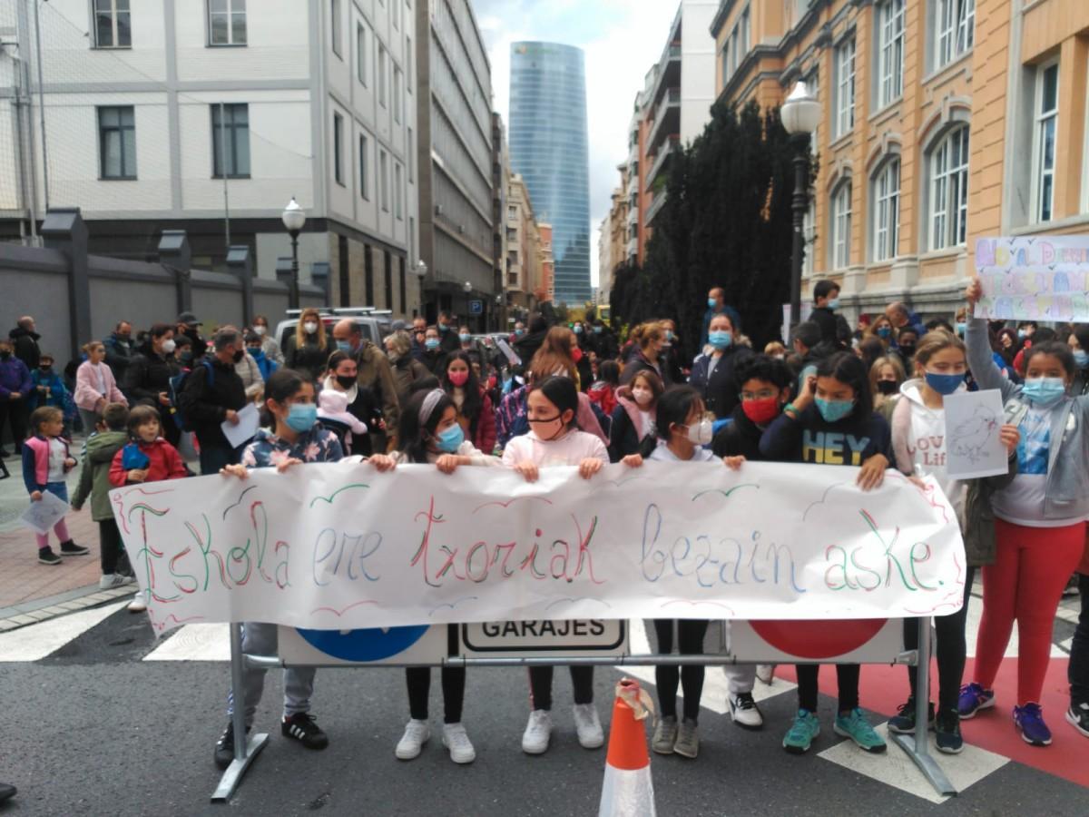 Suelta la olla: Protesta en la escuela Cervantes