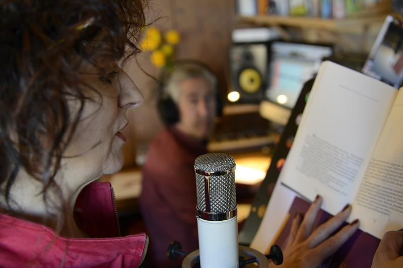 Mar de Fueguitos: El  arte  de  leer  y  contar  en  voz  alta
