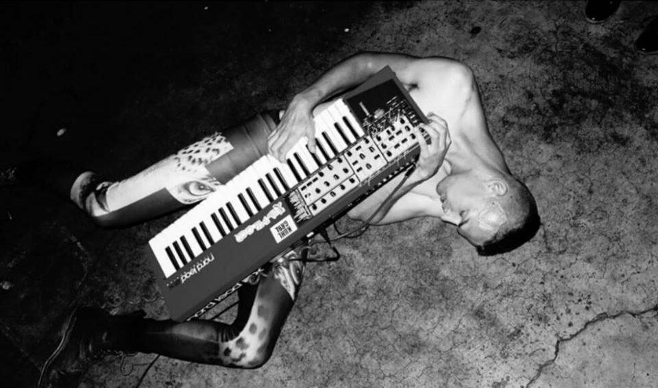 Cuadernos de contracultura: Synth punk : punk y electrónica.