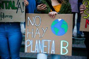 Suelta la olla: No  hay  planeta  B.  Emergencia  climática