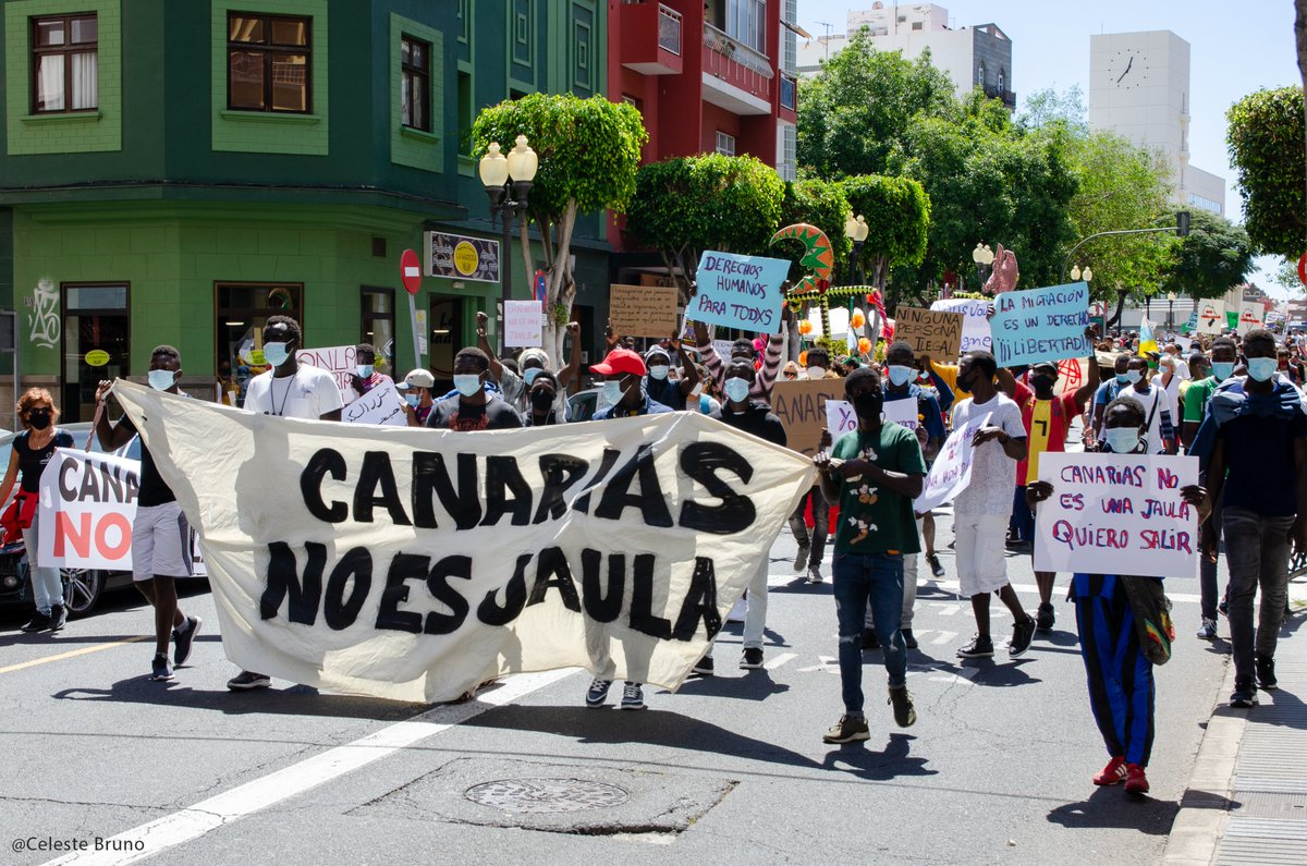 Mar de Fueguitos: la jaula para migrantes de las Islas Canarias