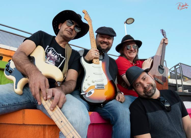 La mirada negra: Entrevista  con  Chris  Alan  &  Troublues